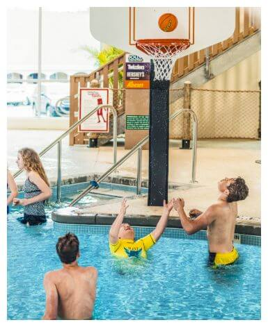 kids playing basketball at Hershey Lodge Water Works